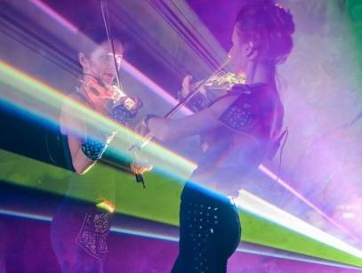 скрипичный дуэт+ лазерное шоу