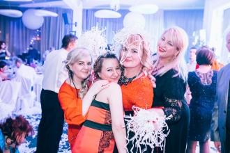 бумажное шоу в Калининграде